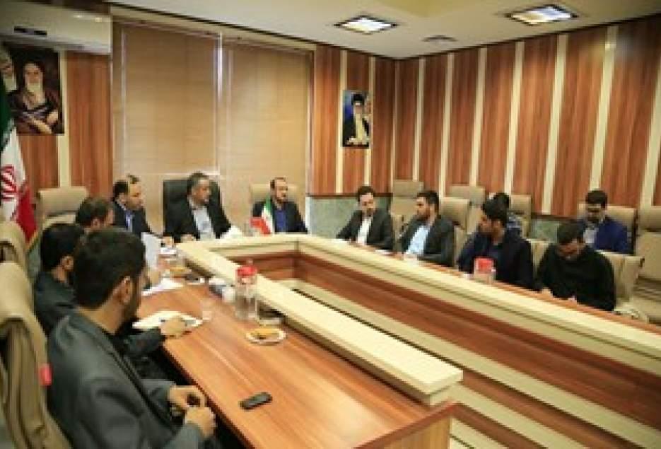تحصیل 72 هزار دانشجو در استان قم/ لزوم بومی شدن پایان نامه های دانشگاهی